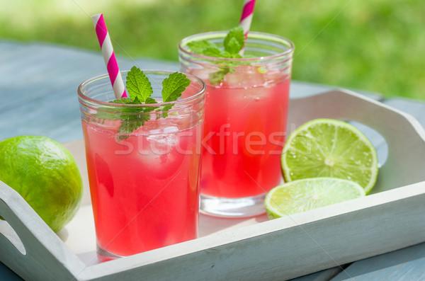 Iki gözlük buz soğuk limonata ahşap Stok fotoğraf © Zerbor