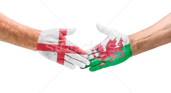 Voetbal teams handdruk Engeland wales hand Stockfoto © Zerbor