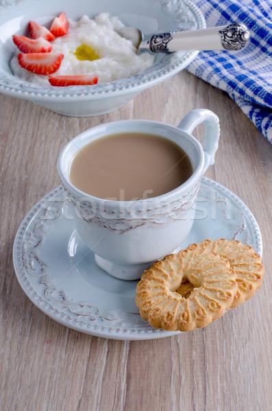 Belle bleu mug soucoupe alimentaire bois Photo stock © zia_shusha
