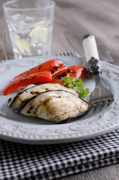 Grelhado legumes picado berinjela servido prato Foto stock © zia_shusha