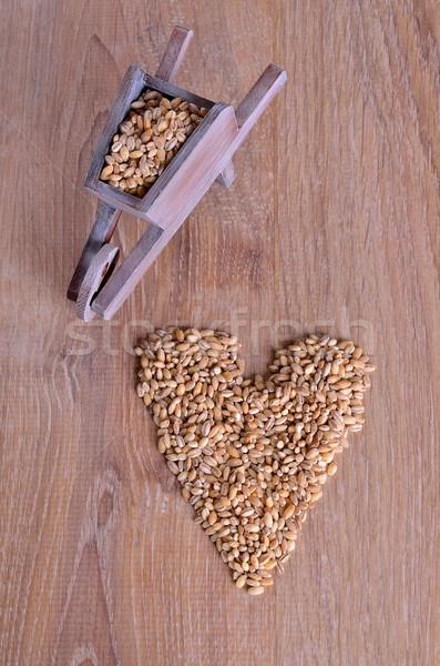 Pearl ячмень тачка форме сердце Сток-фото © zia_shusha