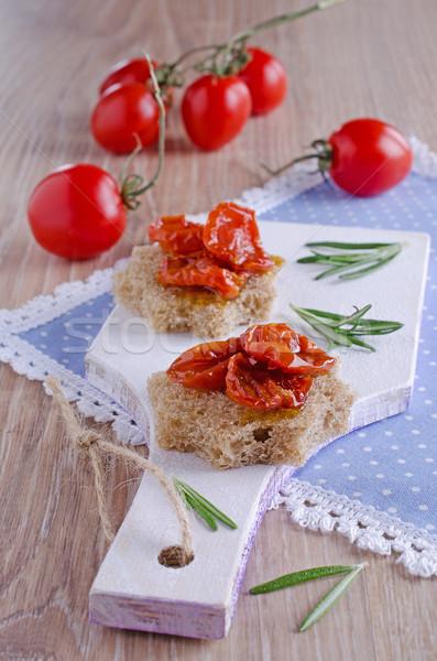 Tomaten zon gedroogd voedsel hout Stockfoto © zia_shusha