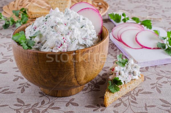 Foto stock: Creme · queijo · legumes · ervas · tigela