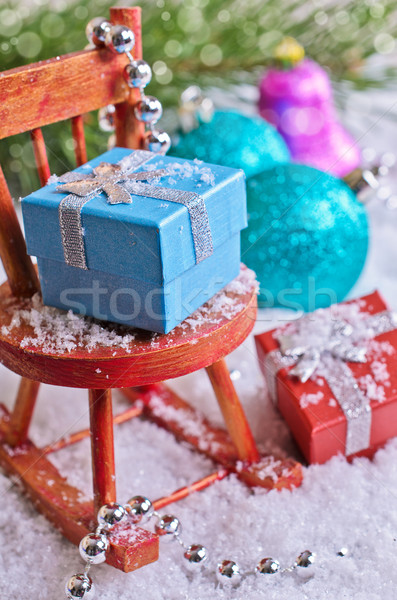 Сток-фото: Рождества · украшения · подарки · снега · дерево · фон