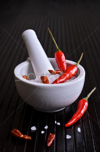 Pimenta de caiena pimenta vermelho sal branco Foto stock © zia_shusha