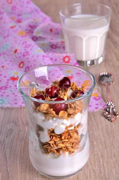 Fromage cottage granola lot forme bois verre Photo stock © zia_shusha
