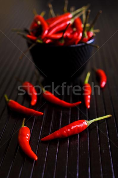 Pimenta de caiena pimenta vermelho preto superfície Foto stock © zia_shusha