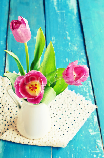 Rosa tulipas vaso velho azul flor Foto stock © zia_shusha