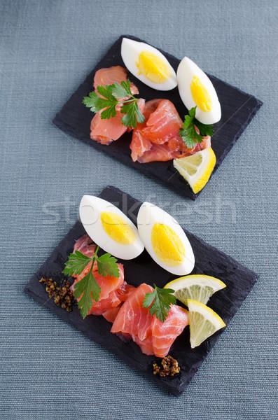 Saumon casse-croûte salé rouge poissons servi Photo stock © zia_shusha