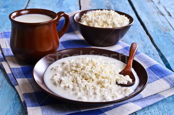 Requeijão branco queijo cerâmico recipiente leite Foto stock © zia_shusha