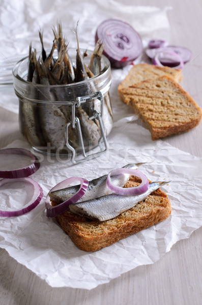 Sandwich mariné rouge oignons poissons nature Photo stock © zia_shusha