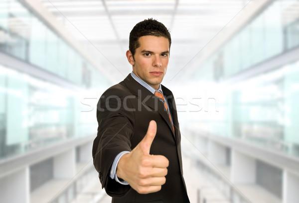 Pollice up uomo d'affari ufficio mano faccia Foto d'archivio © zittto