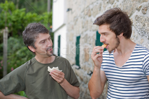 Erkekler yeme iki arkadaşlar konuşma Stok fotoğraf © zittto
