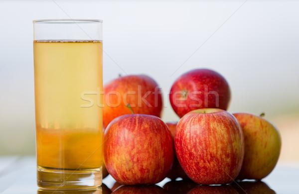 Elma suyu elma ahşap masa açık gıda elma Stok fotoğraf © zittto