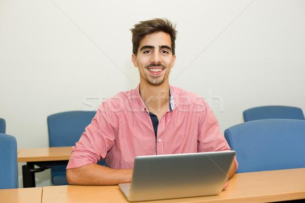öğrenci genç gündelik genç sınıf bilgisayar Stok fotoğraf © zittto