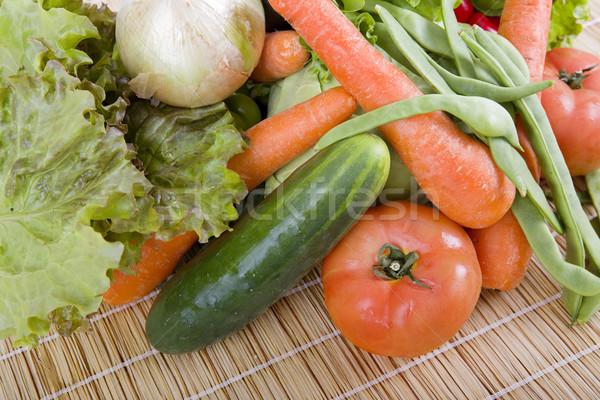 Friss zöldségek fa asztal konyha eszik főzés bors Stock fotó © zittto