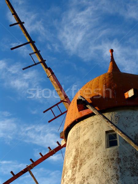 Gökyüzü Bina mimari kayalar fırıldak taşlar Stok fotoğraf © zittto