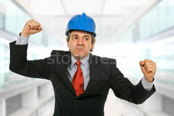 Woede mad ingenieur Blauw hoed kantoor Stockfoto © zittto