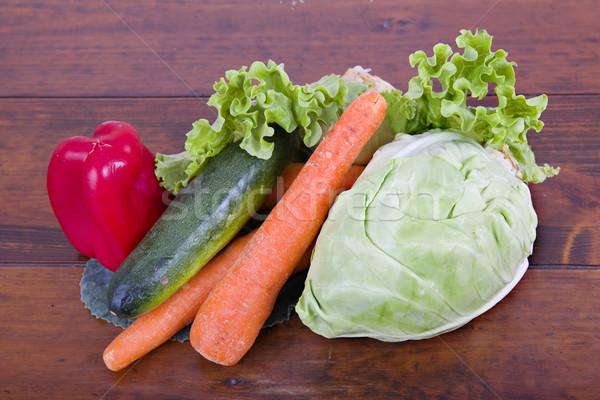 Légumes frais table en bois cuisine manger cuisson poivre Photo stock © zittto