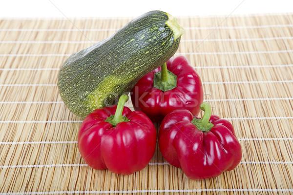 Paprikák cukkini fa asztal csoport farm piros Stock fotó © zittto