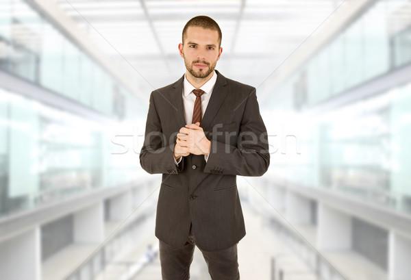 Homme d'affaires jeunes portrait bureau homme affaires Photo stock © zittto