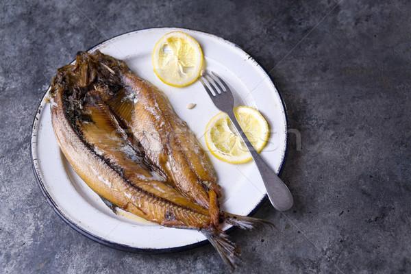 Rustiek gerookt Engels voedsel vis Stockfoto © zkruger
