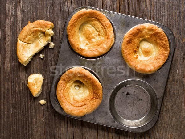 Rustykalny złoty brytyjski yorkshire pudding Zdjęcia stock © zkruger
