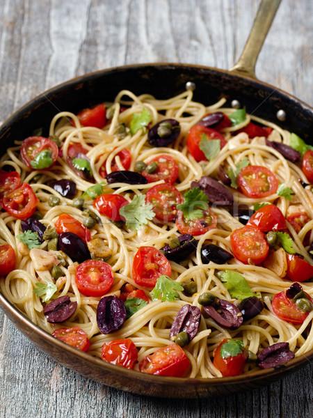 Rustykalny włoski spaghetti makaronu kolor Zdjęcia stock © zkruger