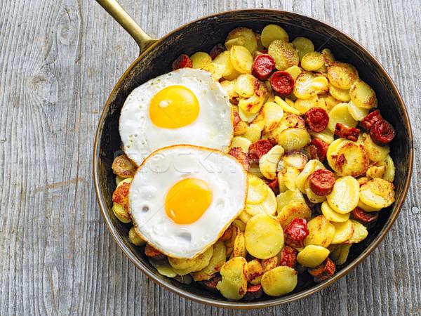 Pan rustico salsiccia patate cuore Foto d'archivio © zkruger