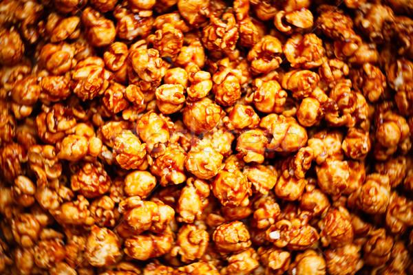 Sózott karamell pattogatott kukorica étel közelkép Stock fotó © zkruger