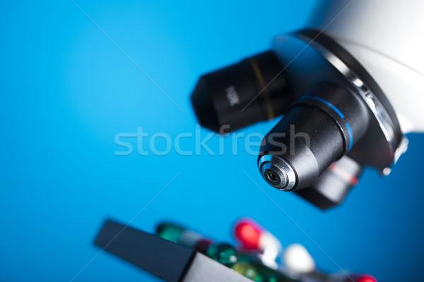 Farmacia pastillas establecer diferente colorido microscopio Foto stock © zolnierek