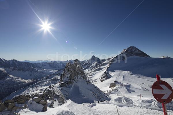 Zimą narty alpy piękna widoku słońce Zdjęcia stock © zolnierek
