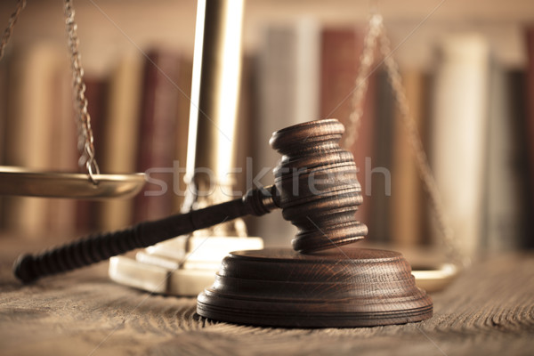 Prawa sprawiedliwości prawnicy biuro skali strony Zdjęcia stock © zolnierek