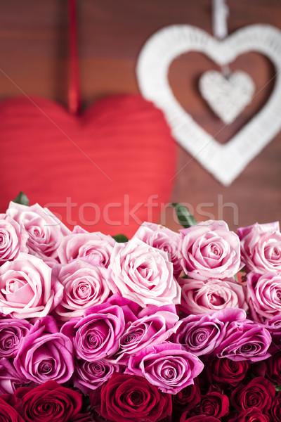 Día corazones rosas símbolos día de san valentín vidrio Foto stock © zolnierek