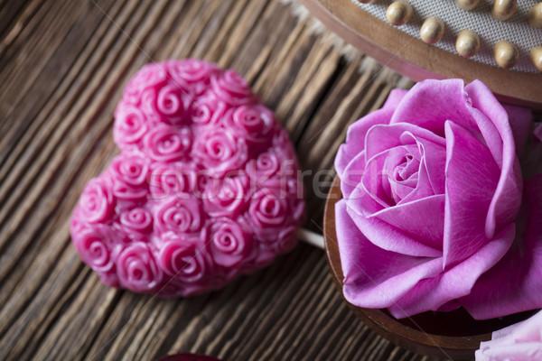 Spa rosas corazones mesa de madera flor Foto stock © zolnierek