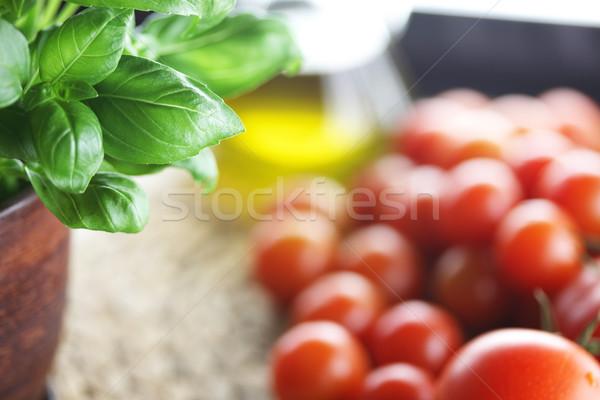 Tomates albahaca alimentos saludables ingrediente flor naturaleza Foto stock © zolnierek