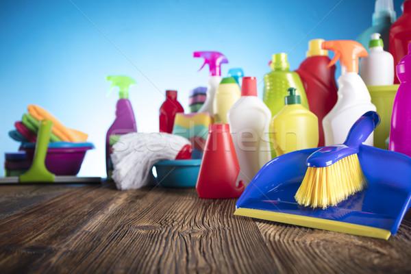 Produktów czyszczących kolorowy zestaw inny drewniany stół niebieski Zdjęcia stock © zolnierek
