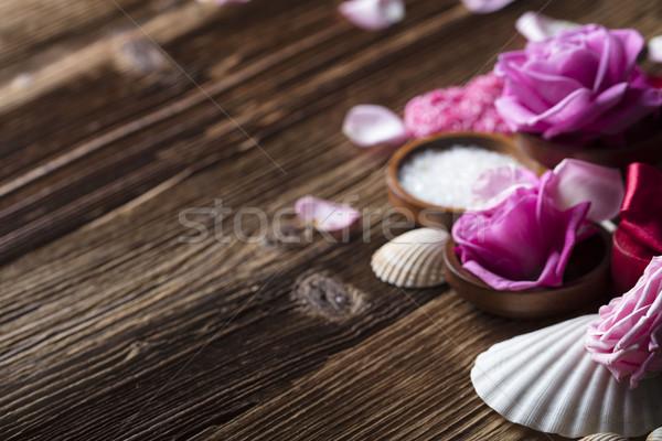 Spa róż serca drewniany stół serca Zdjęcia stock © zolnierek
