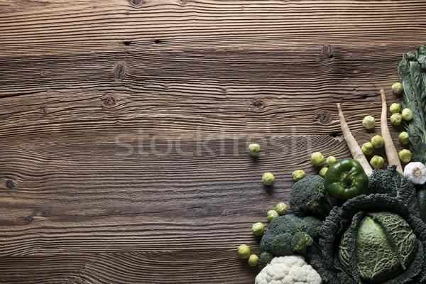 Warzyw inny drewniany stół górę widoku sportu Zdjęcia stock © zolnierek