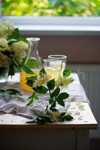 Bianco vintage vino bianco occhiali stile messa a fuoco selettiva Foto d'archivio © zoryanchik