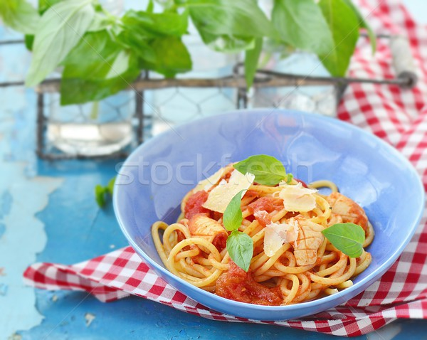 Spaghettis tomates basilic bleu plat alimentaire Photo stock © zoryanchik