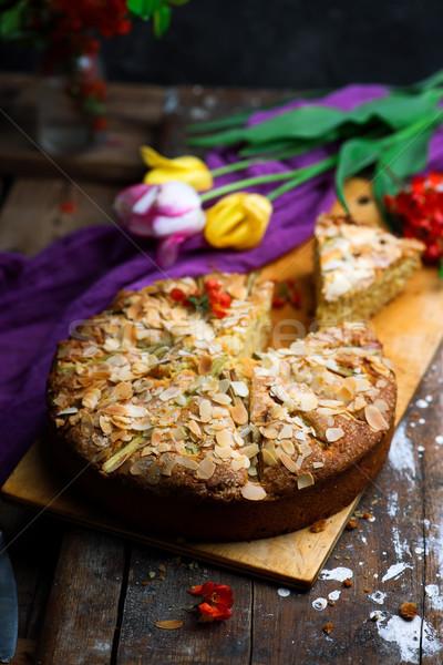 Ravent badem kek rustik seçici odak gıda Stok fotoğraf © zoryanchik
