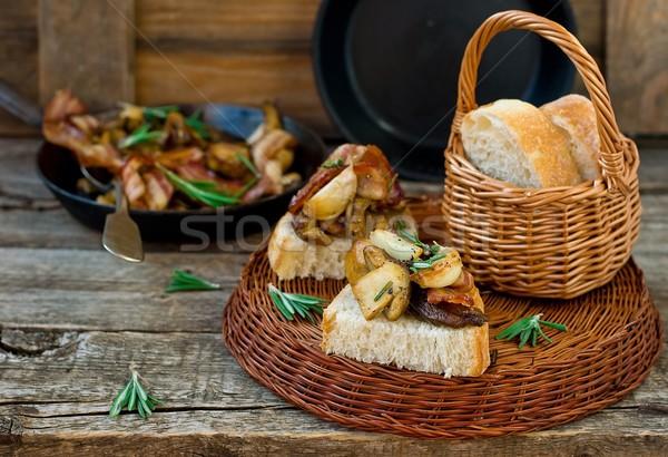 Spek knoflook rosmarijn brood voedsel Stockfoto © zoryanchik