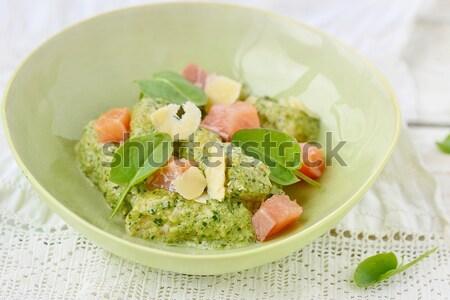 Pesto molho espinafre macarrão cozinhar Foto stock © zoryanchik