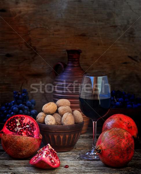 Nar üzüm şarap ahşap bağbozumu stil Stok fotoğraf © zoryanchik