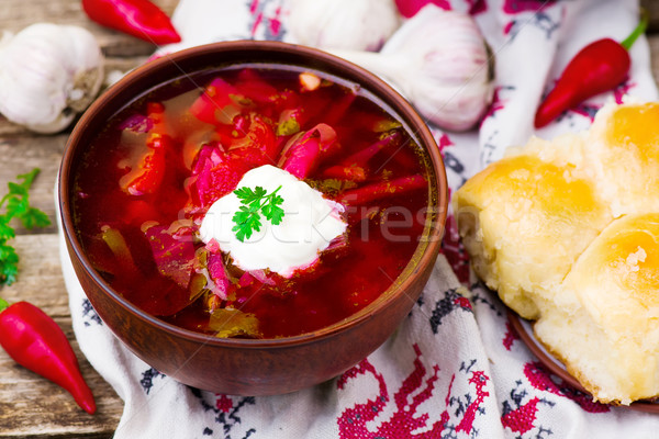 Traditioneel zure room soep keramische kom voedsel Stockfoto © zoryanchik
