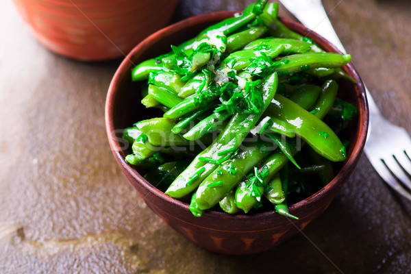 Salade groene bonen keramische kom stijl rustiek Stockfoto © zoryanchik