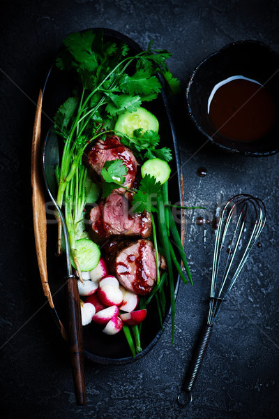 Asian barbecue porc salade accent alimentaire Photo stock © zoryanchik