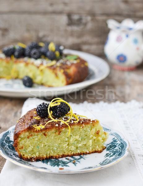 Amora preta bolo prato comida fundo azul Foto stock © zoryanchik