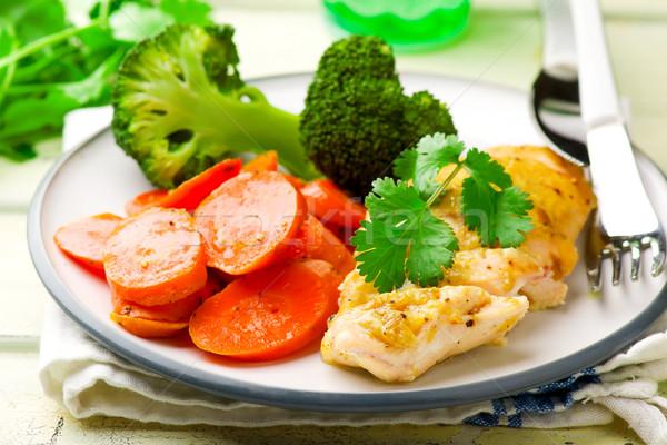 Poitrine de poulet légumes mise au point sélective poulet dîner Photo stock © zoryanchik